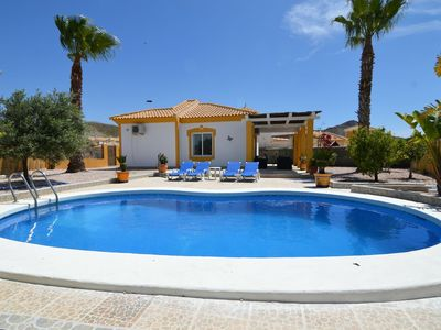Photo for Detached holiday home with private swimming pool and sheltered terrace