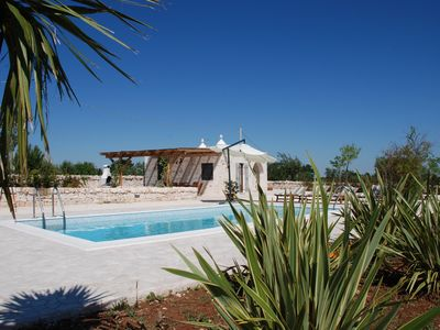 Photo for Trulli Bianchi. Characteristic stone trullo with private pool and panoramic view