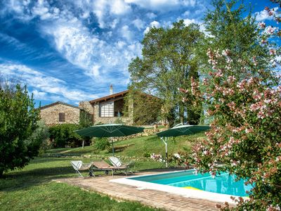 Photo for Holiday apartment San Venanzo for 1 - 6 persons - Farmhouse