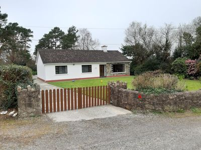 Photo for 3 Bedroom private bungalow
