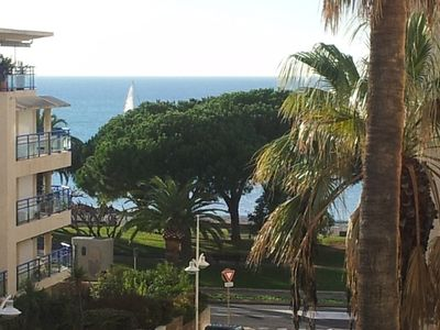 Photo for BRIGHT APARTMENT IN NICE NEIGHBORHOOD NEAR BEACHES AND CITY
