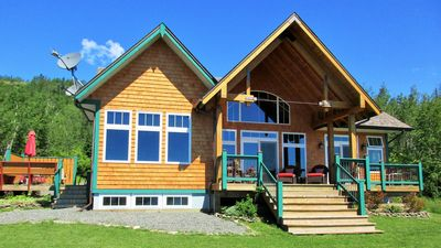 Lakeside of cottage with covered porch for shade or try the sunny side deck!