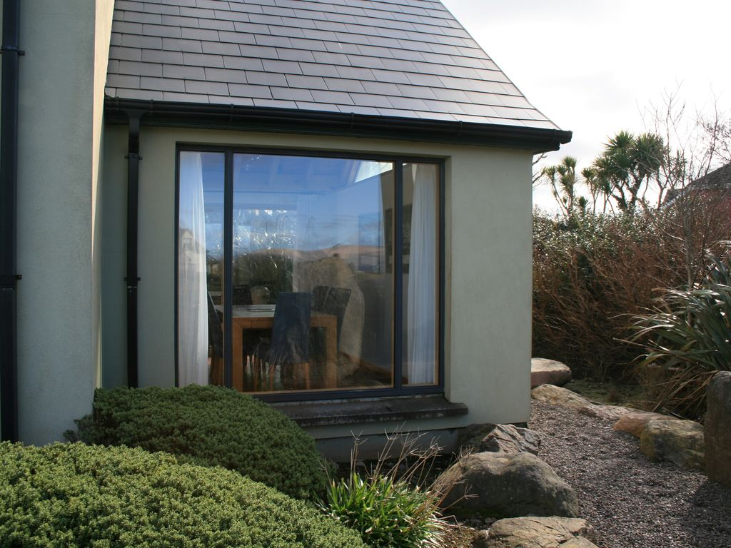 rent cottages park court holiday county in dublin ireland com to