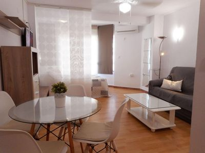 Photo for Spacious Estudio Plaza apartment in Torre del Mar with air conditioning & lift.