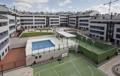 Photo for Madrid - Pinto Parque Warner family apartment new