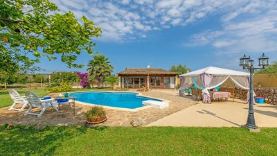 Photo for Stylish country house in the center of the island
