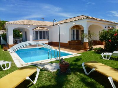 Photo for Villa Breizh - attractive 3 bedroom villa with pool, 2km from the beach.