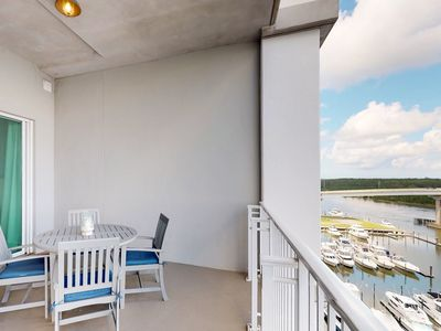 Photo for Bayview condo w/ shared pool & hot tub + on-site golf, waterpark, & marina