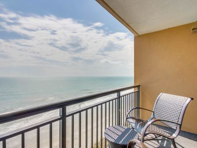 Photo for Direct Oceanfront One Bedroom Condo at The Island