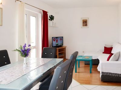 Photo for Beautiful apartment for 5 people with A/C, WIFI, TV, balcony and parking