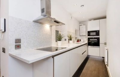 Photo for Lovely Duplex Apartment in Central London with Terrace - Sleeps 4