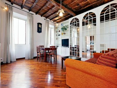 Photo for Cozy 1bdr apartment in the heart of Rome!