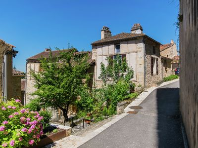 Photo for Charming village house in the old town of Puy L 'Eveque overlooking the Lot.