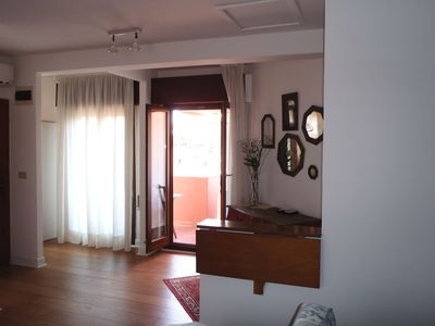 Photo for Venice Rialto Penthouse with terrace and canal view wifi air conditioning