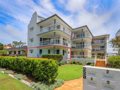 Photo for Beautifully renovated 2 bedroom 2 bathroom apartment with ocean view...