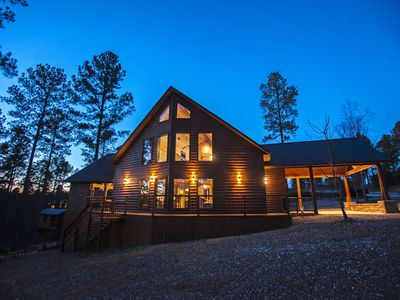 Mountain Melody - 4 Bedroom Mountain Retreat (Sleeps 11, Tree House, Hot Tub)