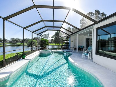 Photo for Lakefront villa 3bed/2.5bath with pool in Bradenton
