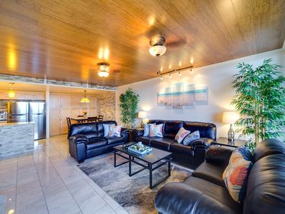 Photo for Luxury 2 Bdrm Penthouse with Sea, Diamond Head and Ala Wai Views with Parking.