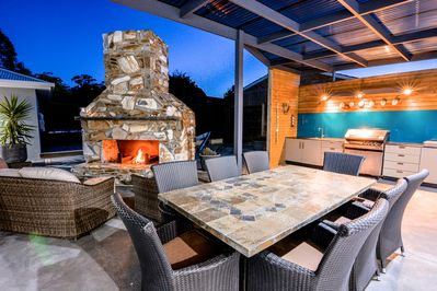 Amazing alfresco dining with full kitchen and wood fire