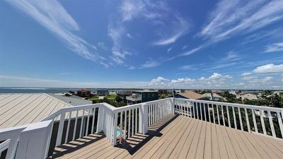 Photo for 3br Home with rooftop deck and hot tub! Gorgeous views! Sleeps 8!
