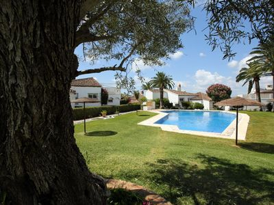Beautiful communal pool, very close to your house