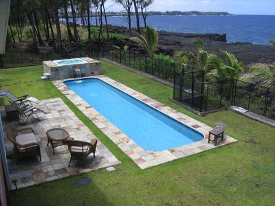 Hale Mar's private pool and hot tub by the sea