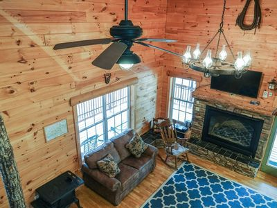 Photo for Secluded Hideaway! 3 Bed/3 Bath Hot tub. Sleeps 12. Close to Dollywood!
