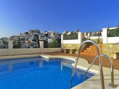 Photo for Burriana beach-sleeps 6-free wifi-air con-pool-close to bars & restaurants