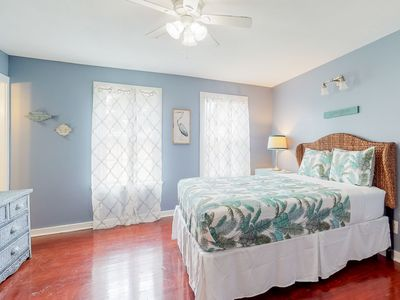 Photo for NEW LISTING! Beach themed, dog-friendly studio in walking distance to Seawall