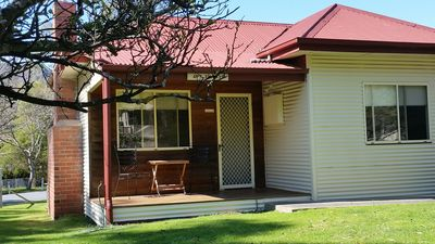 Photo for 1BR Cottage Vacation Rental in Halls Gap, VIC