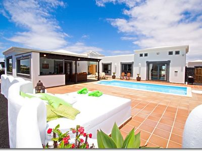 Photo for Luxurious villa in Playa Blanca with private pool and solarium