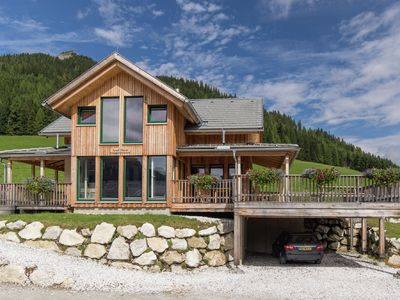 Photo for Very luxurious chalet with in-house wellness area, 200 m from the lift.