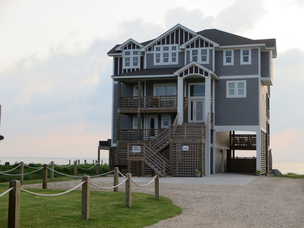 Waterfront pamlico sound luxurious resort home pool for House plans with elevators waterfront