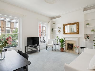Photo for Sophisticated 2-Bed, 2-Bath apt in Chelsea