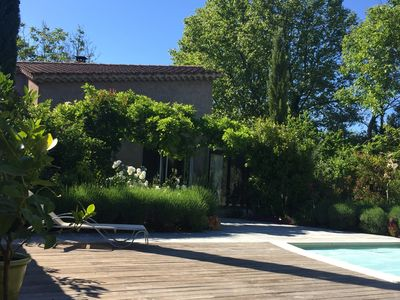 Photo for Country house between Avignon and Isle sur la Sorgue