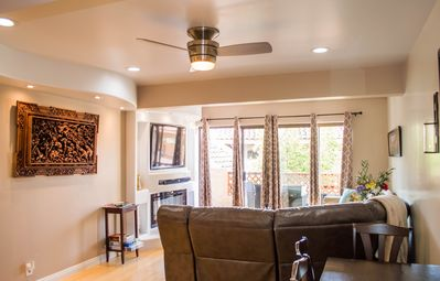 Photo for Fully Remodeled 1 bedroom, 2 baths with Private balcony, Common Pool and Jacuzzi