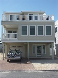 Your 5 Bedroom, 3.5 Bath Beachside Summer Rental!