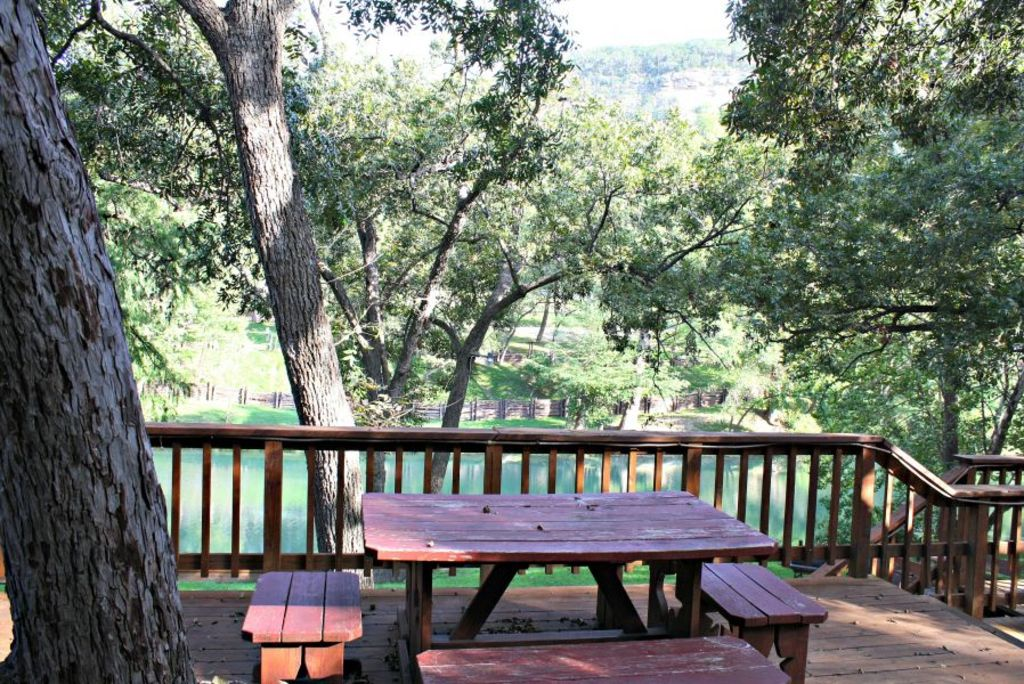Little ponderosa river retreat guadalupe waterfront home for Cabins near whitewater amphitheater