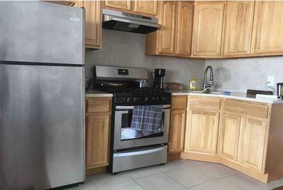 Full Kitchen, Additional appliances have been added since pic was taken,