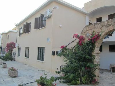 Photo for Holiday apartment Chloraka for 4 - 6 persons with 2 bedrooms - Holiday apartment