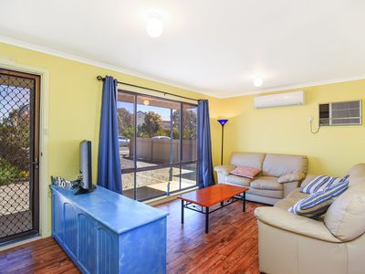 Photo for 23 Ellensford Terrace - A quick stroll to the beach