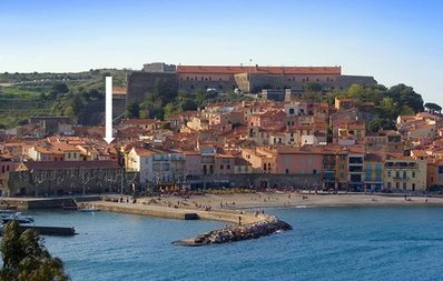 Photo for Old Collioure, 2 rooms of charm, WIFI and air conditioning