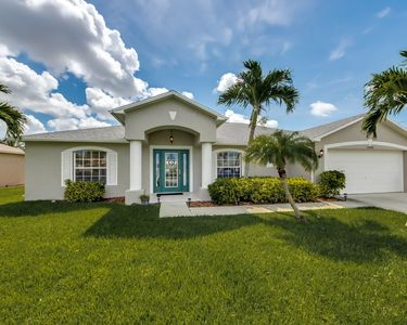 Photo for Beautiful Rental Vacation Home Located In South Cape Coral