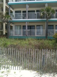 Ground Floor, Oceanfront!! Free Wi Fi and 2 Beach chairs incl.! Nautical Watch!