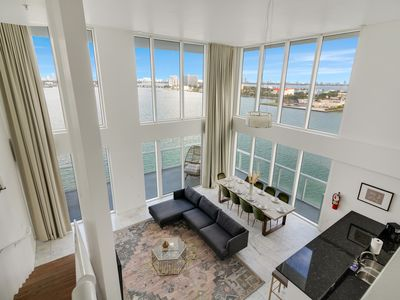 Photo for Harbor Island Penthouse14--10 minutes from Brickell, 10 minutes to South Beach