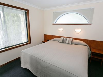 Photo for Dolphin Lodge 1 Bedroom Self Contained Apartment with Spa Bath