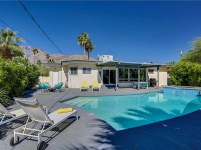 Photo for Fabulous Midcentury style home with attached private casita!