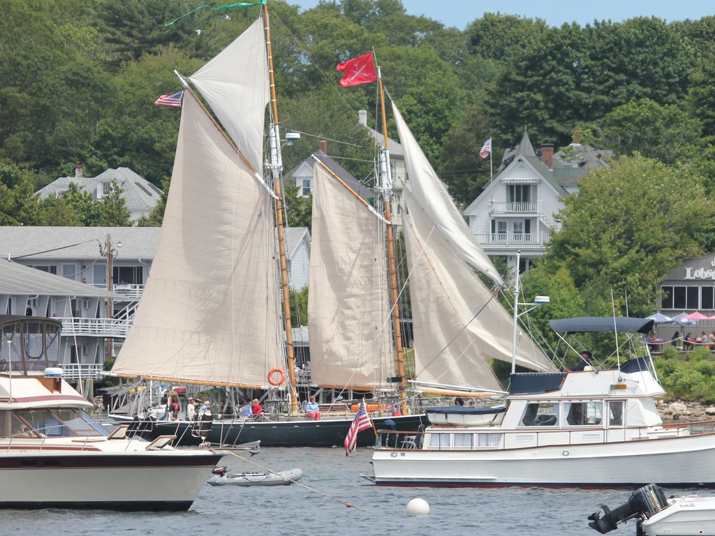 west boothbay harbor big and beautiful singles Us river and small ship cruises are  boothbay harbor  start your trip off with a few days in the big apple, then cruise through the beautiful .