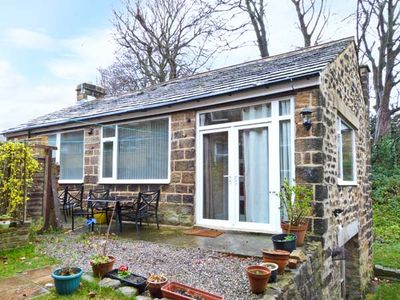 Photo for 1A CHURCH VIEW, character holiday cottage in Menston, Ref 21138