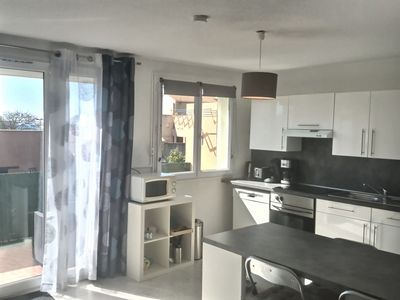 Photo for T2 apartment + cabin for 4 people in a residence 200m from the beach. Ref. 3285